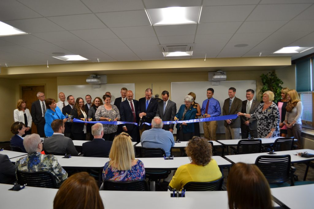 ribbon-cutting-mmg-center